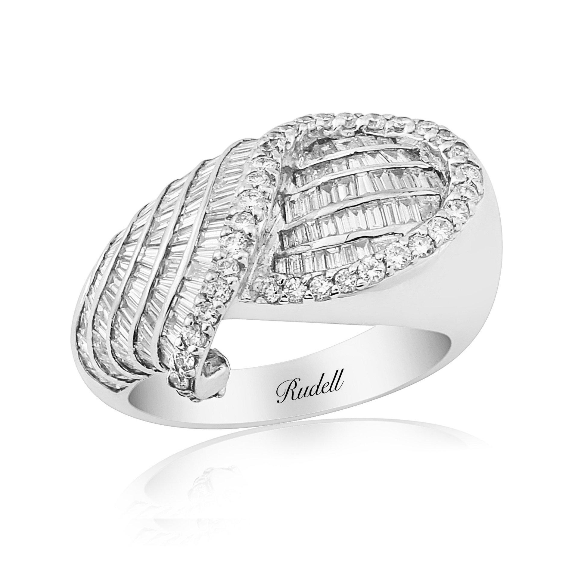 18ct White Gold Decorative Diamond Dress Ring