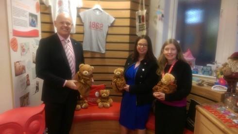 Rudells Visit Birmingham Children's Hospital